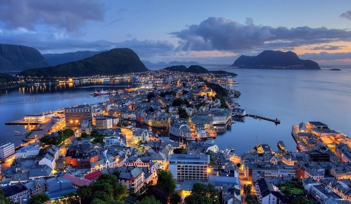 Norveçliler 1,1 Trilyon Dolardaki Fondan Paylarına Düşeni Almak için Harekete Geçti