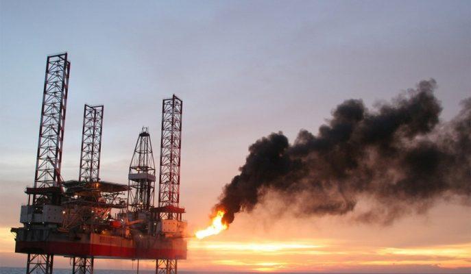 Petrol Fiyatları ABD Üretiminde Yeniden Rekor Kırılmasıyla Sert Geriledi