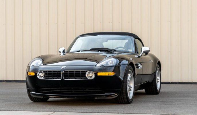 James Bond'un BMW Z8'lerinden Birisi En Temiz Haliyle Satılıyor!