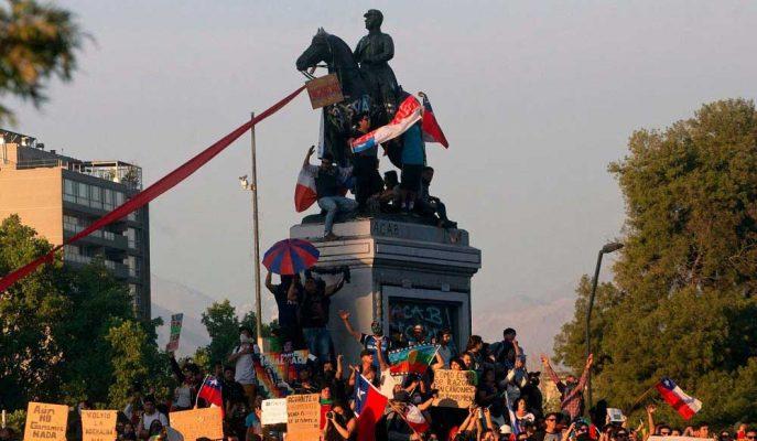 Şili Maliye Bakanı Pezosun Tarihi Düşük Seviyesinin Ardından Normallik Çağrısı Yaptı