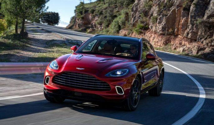 2020 Yeni Aston Martin DBX Güçlü Motoru ile Dünyaya Lastiğini Bastı!