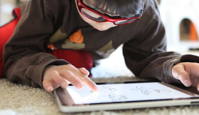 YouTube Çocuklara Yönelik Videolar için Kısıtlayıcı Düzenlemeler Getiriyor