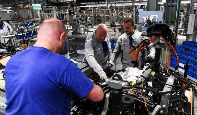 Almanya Fabrika Siparişleri Ekim'de Beklenmedik Şekilde Düştü