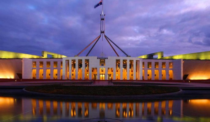 Avustralya Hükümeti Ekonomi ve Bütçe Fazlası için Görünümü Düşürdü