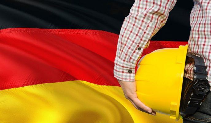 """Başbakan Merkel: """"Almanya'daki Nitelikli İş Gücü Eksikliğine Hızlıca Çözüm Bulunmalı"""""""