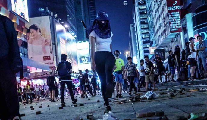 Hong Kong'un Turist Gelişleri ve Perakende Satışları Kasım'da İyileşmeyecek