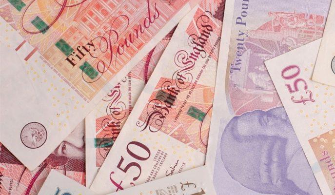 Sterlin Anlaşmasız Brexit İhtimaliyle Düşerken, Gelişen Ülke Paraları Yükseldi