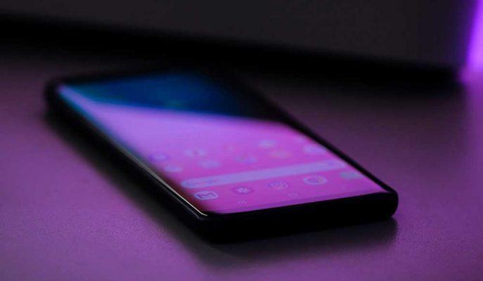 Akıllı Telefon Pazarında 2020'de Katlanabilir Ekran ve 5G Teknolojisi Yaygınlaşacak