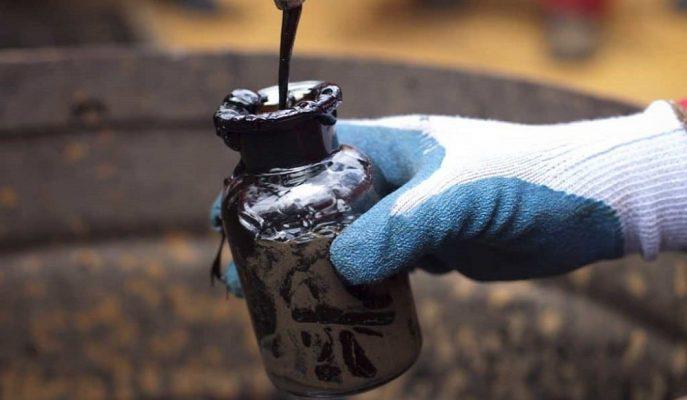 Ham Petrolün Varili Talep Endişesiyle 52 Dolar Sınırına Kadar Geriledi