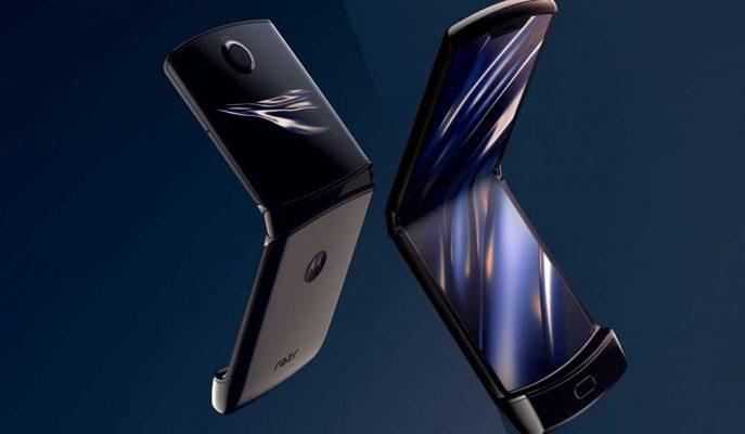 Motorola Katlanabilir Telefonu Razr'ı Tanıtan Videolar Paylaştı ve Uyarılarda Bulundu