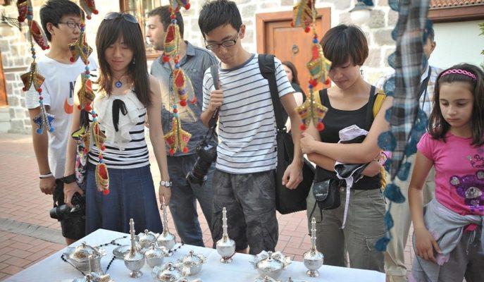 Birçok Sektör Artan Taleple Tam Kapasite Çalışırken, Turizmciler Çin Açığını Kapatmaya Çalışıyor