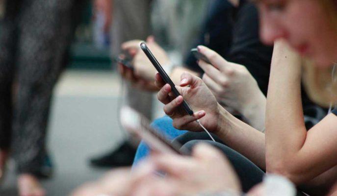 Akıllı Telefon Kullanım Süreleri İki Katına Çıktı