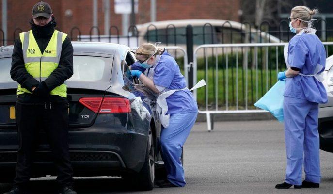 İngiltere Koronavirüs Tedbirlerini En Az Mayıs Sonuna Kadar Uygulayacak