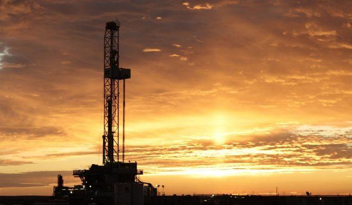 Petrol Rusya'nın Üretim Kısıntısına Hazır Olduğunu İşaret Etmesiyle Yükseldi