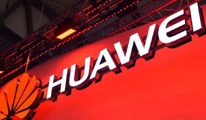 Huawei Akıllı Telefon Satışlarında Samsung'un Önünde Olmaya Devam Ediyor