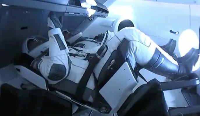 NASA Astronotları Crew Dragon'un İç Yapısını Çektikleri Video ile Gösterdi