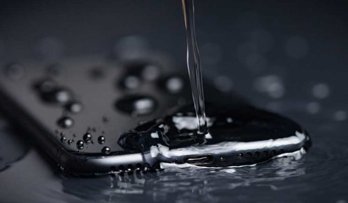 Apple, iPhone'un Su Geçirmezliğine Yönelik Kullanıcıları Yanılttığı Gerekçesiyle Ceza Aldı